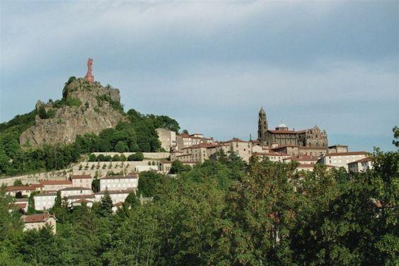 Le chemin de Saint-Jacques de Compostelle (du Puy en Velay à Conques) par le GR65 - Le blog d'Hunza :  mes plus belles randonnées en montagne et ailleurs