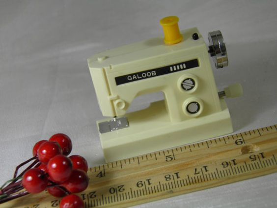 Galoob Miniature Toy Sewing Machine   Wind Up by GreenGablesLane