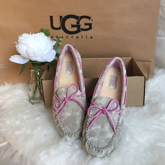 New UGG Australia girl loafers Condition: Brand New no Lid /  Purchased: Store Bought  Company: UGG  100%  Style: Ryder Camo  Size: K (Kids) 1  Style #: 1011370  Color: Pink ( Sand ) UGG Shoes Flats & Loafers