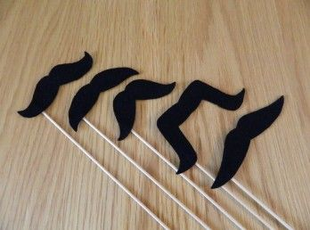 photobooth-props-moustaches-2