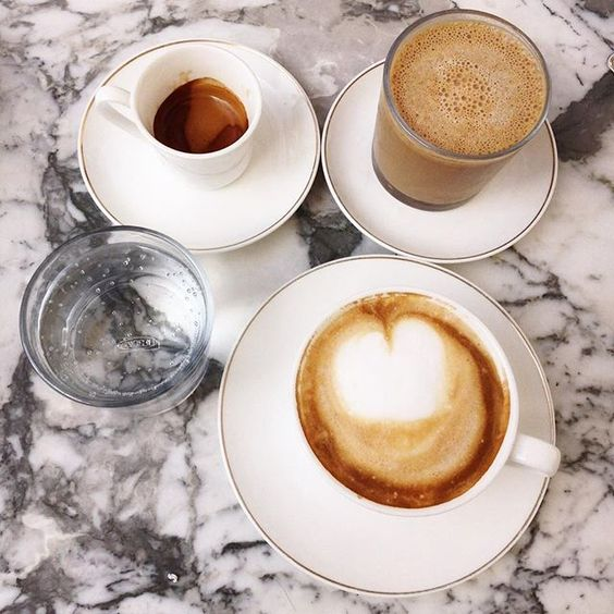 Marble and morning coffee. ☕️ Bonne journée à tous ✨  #coffeelife #coffeelove #coffee #morning #cafe #instacoffee #vogue #minimal #cafelife #caffeine #mug #drink #coffeeaddict #coffeegram #coffeeoftheday #cotd #coffeelovers #coffeeholic #coffeecup  #coffeetime #latte #cappuccino #bordeaux #bordeauxmaville #coffeetime #marble #coffeebreak #whitemarble