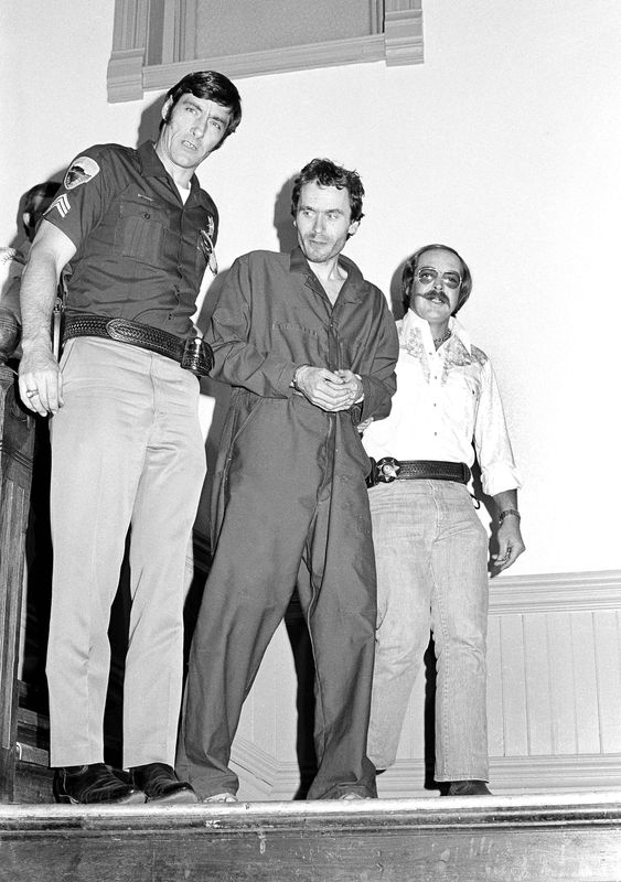 Ted Bundy................... 0a822c16702cf5e394fac3bed5252f88