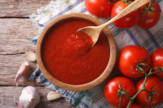Pinned here for the info on histimines~~Tomato Sauce With Garlic And Basil In A Bowl Closeup. Horizontal