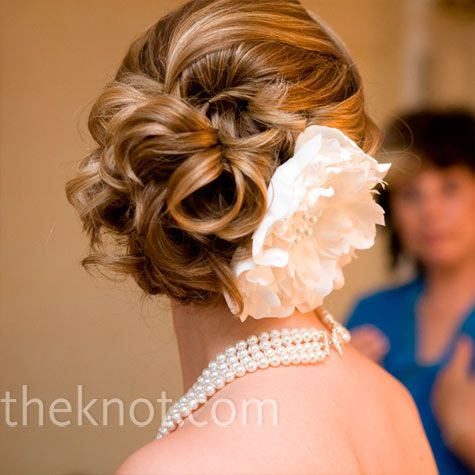 Pretend the peony hair clip isn't there...