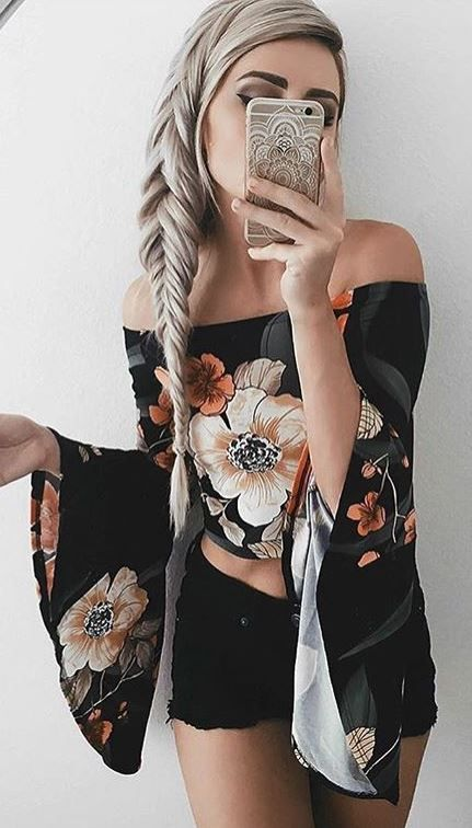 These summer outfit ideas with bell sleeves are so cute!