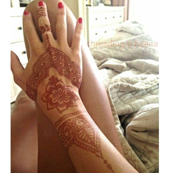 Gorgeous of the henna stain!  174 Dean St, Taunton MA 508■369■8797 Happy clients, A very happy me. Love it when clients appreciate my hard work!  #henna #mehndi #hennaart #flowerhenna #hennastain