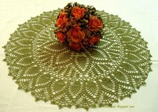 My Experiments with Needle n Thread: Double Pineapple Doily
