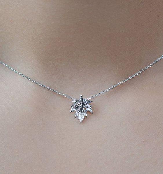 Collier Canada Maple Leaf. Chaîne en argent sterling. Canada Day bijoux / bijoux. Collier de feuilles d