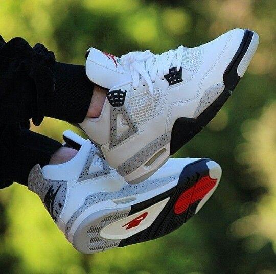 """'99 Air Jordan 4 """"White Cement"""":"""