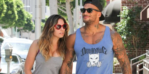Kelly Brook has announced that she and fiancé David McIntosh have split up.  The pair became engaged earlier this year, but Kelly has now confirmed that the pair have decided to end their relationship after less than a year together.   Ke...