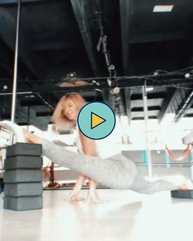Garota tem uma flexibilidade corporal encantadora