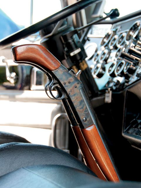 Custom Big Rig Truck Show Rifle Shifter - Oh man, would this not just be the most awesome thing!