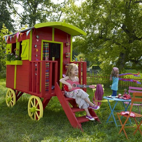 Omg! My kid could have her own little gypsy caravan playhouse! Don't think it's big enough for a gypsy wedding dress...darn