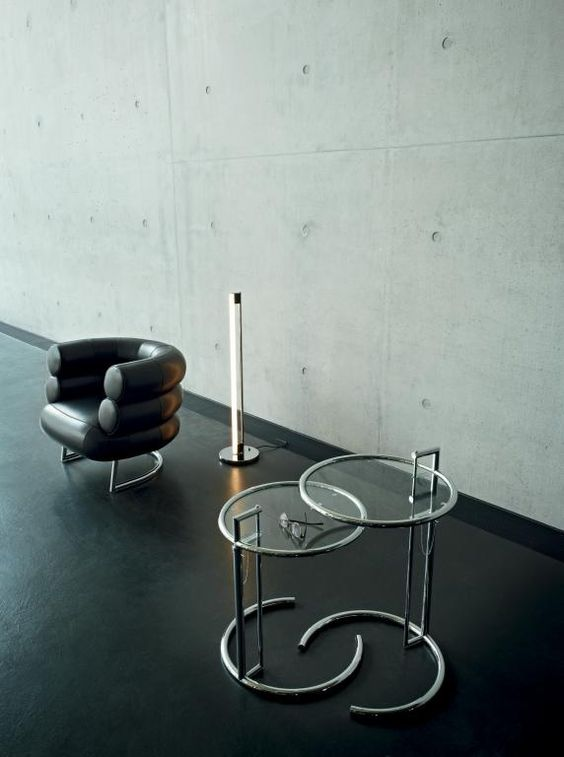 Eileen Gray and her design classics: Lounge chair Bibendum with TubeLight E1027 and adjustable table E1027, 1920s