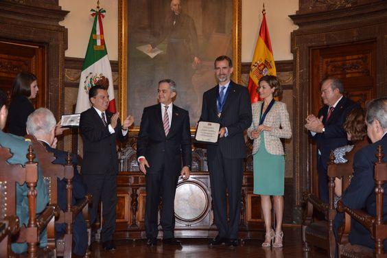 El Salón de Cabildos del Antiguo Palacio del Ayuntamiento, fue marco de de la Ceremonia de Huéspedes Distinguidos a sus Majestades los Reyes de España.