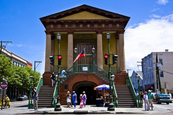Charleston travel guide on the best things to do in Charleston, SC. 10Best reviews restaurants, attractions, nightlife, clubs, bars, hotels, events, and shopping in Charleston.