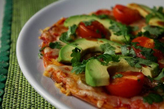 Avokado pizza - tortillapizza