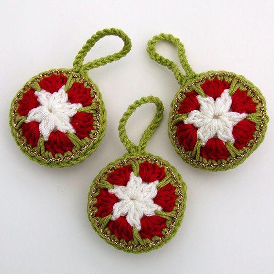 Crochet Christmas Baubles by Wool n Hook, via Flickr