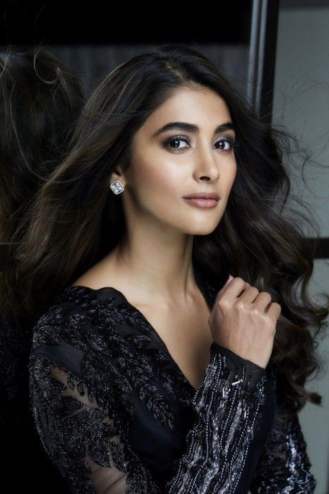 Pooja Hedge Has Been Labeled Jinx Ever Since She Created Her Debut Be It Mask Or Stylish Actresses Most Beautiful Indian Actress Beautiful Bollywood Actress