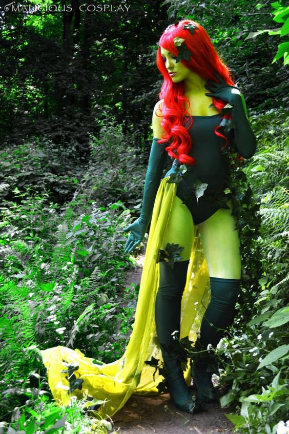 10 Poison Ivy Cosplays