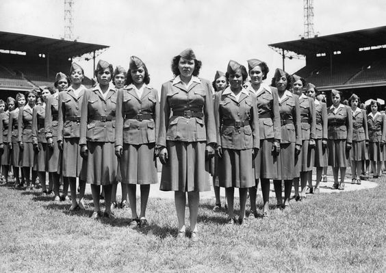 0acf2597ecc8e112081120dbbb21ce8a 20 Patriotic Pictures of Black Women in the Military