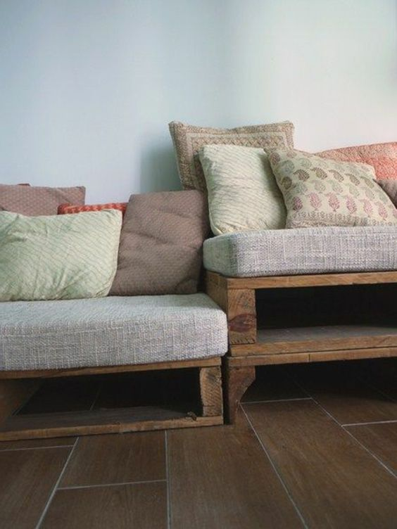 palettenm bel selbst basteln sofa aus paletten ideen rund ums haus pinterest basteln und sofas. Black Bedroom Furniture Sets. Home Design Ideas