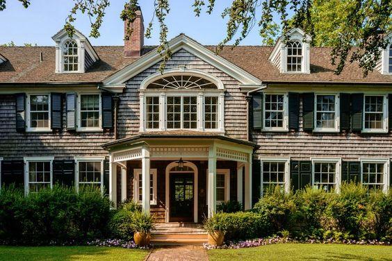 Maison unifamiliale pour l Vente à BRIAR PATCH, 11.2 Acre Georgica Pond Estate, East Hampton, New York 90 Briar Patch Road East Hampton, New York,11937 États-Unis