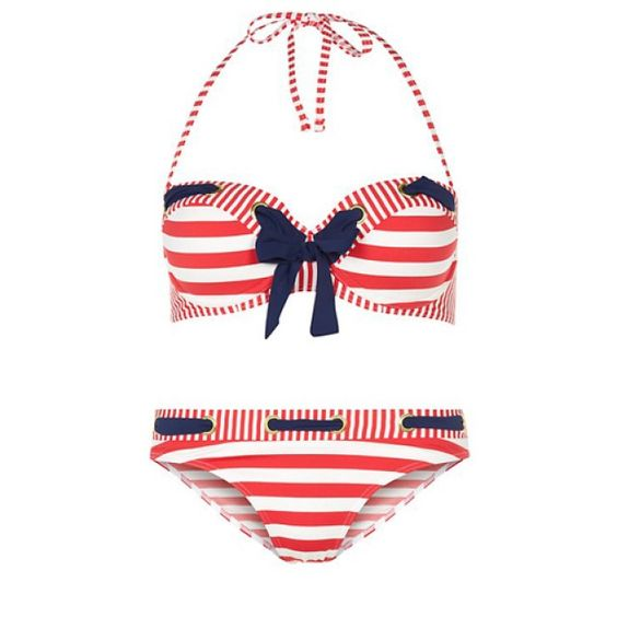On la joue pinup marine avec ce maillot New Look