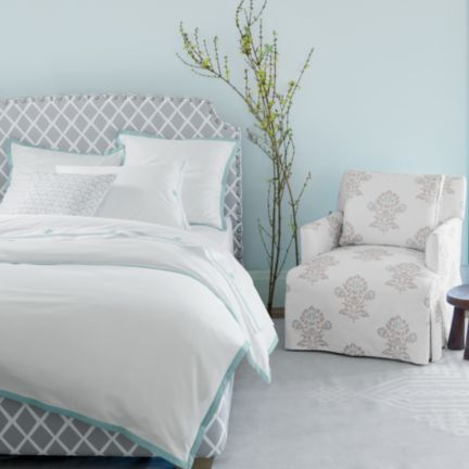 fillmore bed with nailheads