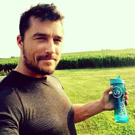 Kicked off the holiday weekend with a morning run.   Look who LOVES ‪#‎IdealBoost‬!! Thanks Chris Soules!  Thanks IdealShape for the IdealBoost that gave me the energy I needed to get out of bed and get it done!  #ChangeYourAppetite   #sp