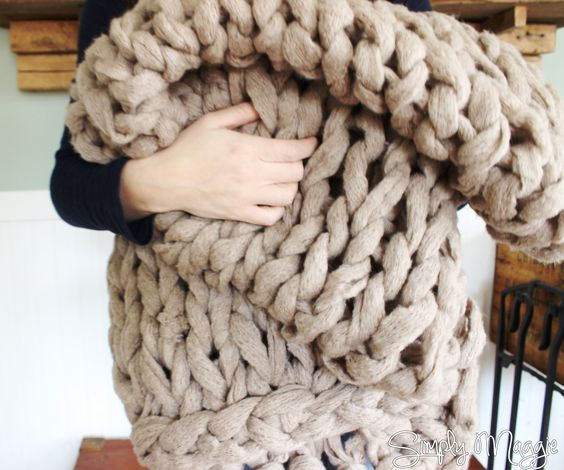 Arm Knitting Blanket For Beginners : Arm knit a blanket in minutes simplymaggie to