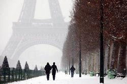 paris with snow