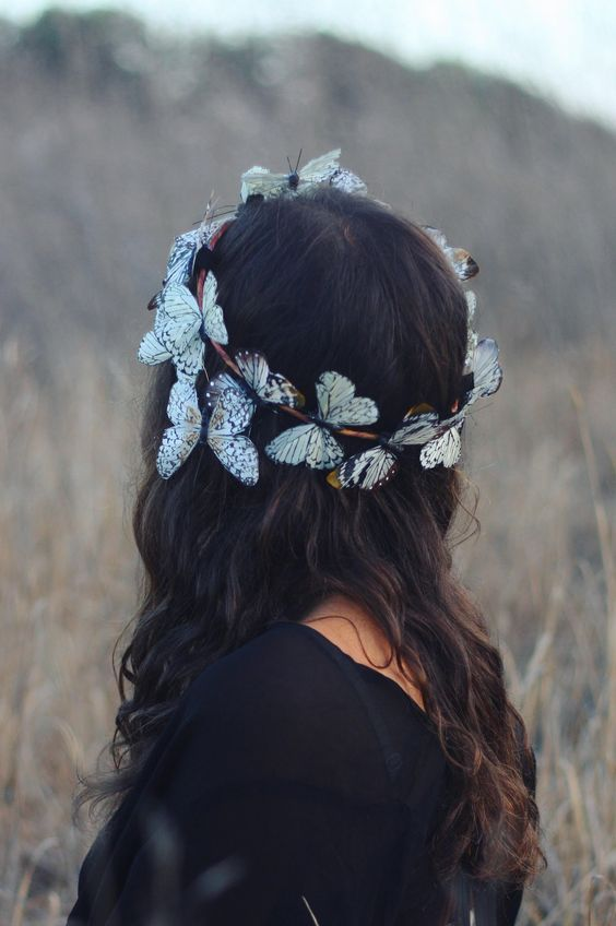 ☾ ☆☽ For the love of butterflies. This handmade crown features painted feather butterflies on a wire base. Extremely lightweight and perfect for festivals when comfort is key. Please be aware that thi: