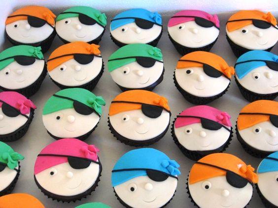 Cinco de Pirate Party. Cupcake design.