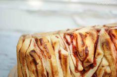 Zwetschgen-Zupfbrot aus Germteig mit Zwetschgenmarmelade