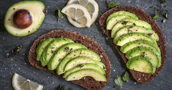 Für viel Power und gute Laune: Wir haben5 leckere Frühstück-Rezepte unter 300Kalorien für einen gesunden Start in den Tag