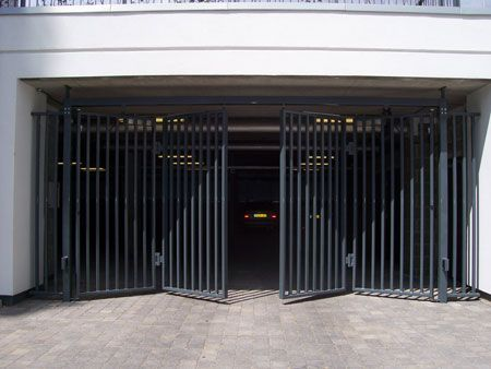 Accordion Gate Google Search Modern Driveway Gate
