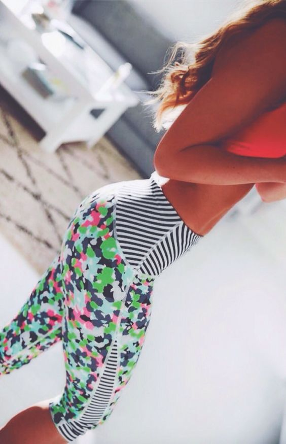 Cute workout clothes | Workout Tights | Fitness Apparel @ http://www.fitnessapparelexpress.com. LOVE these pants!!