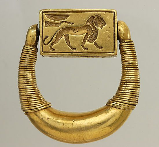 Lion. Signet ring of Horemheb, the last pharaoh of the 18th Dynasty of Egypt. Louvre Museum, Paris