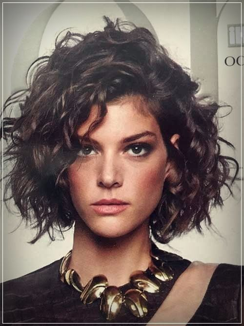 Really Stylish Curly Bob Hairstyles For Women Bob Curly Hairstyles Sexyhairstylesforwom In 2020 Lockige Frisuren Kurze Lockige Frisuren Lockige Bob Frisuren