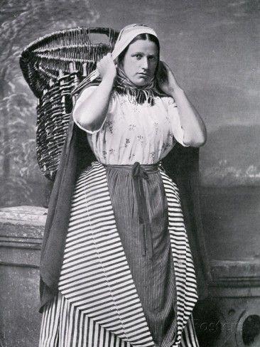 A Newhaven Fishwife, Late 19th Century Fotodruck von Alexander Adam Inglis bei…