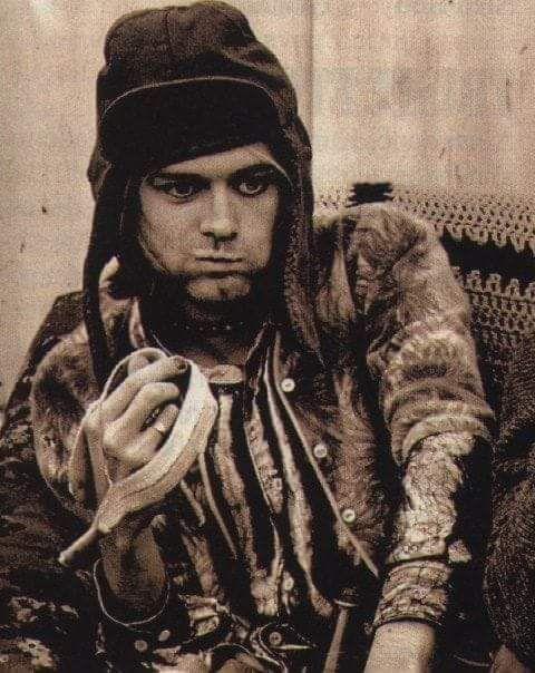 Kurt Cobain 💜💋  318b61210c5