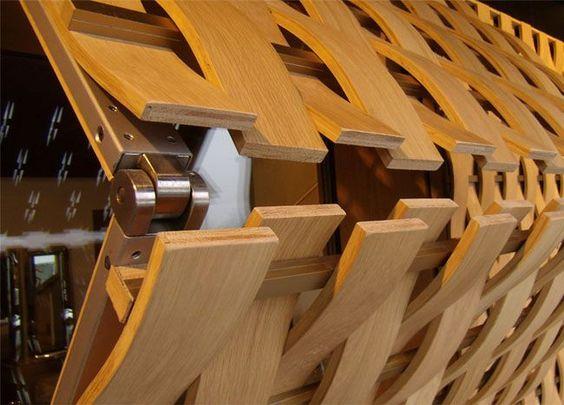 Frangisole rodilla - madera tejida roble de diseño de bronce por Ferruccio Laviani - ISAM