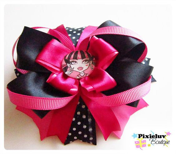 Monster High Hair Bow [Pixieluv Boutique on Facebook]     http://www.etsy.com/listing/102170954/monster-high-hair-bow
