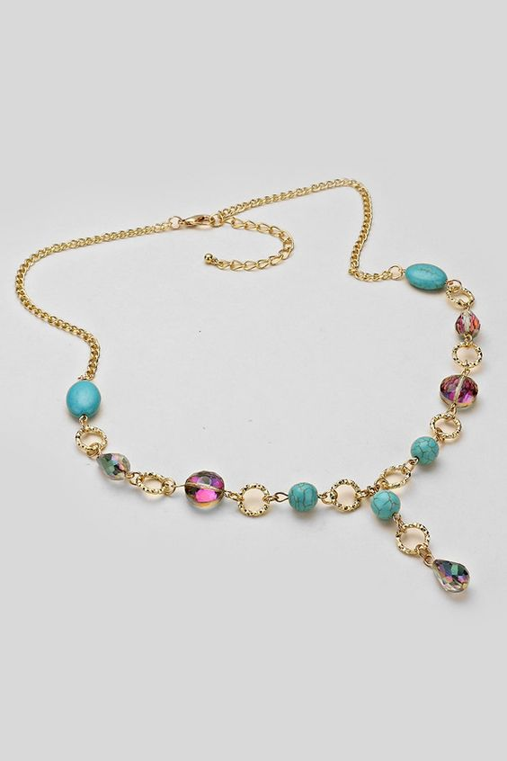 Averly+Necklace+in+Turquoise+Howlite+on+Emma+Stine+Limited+