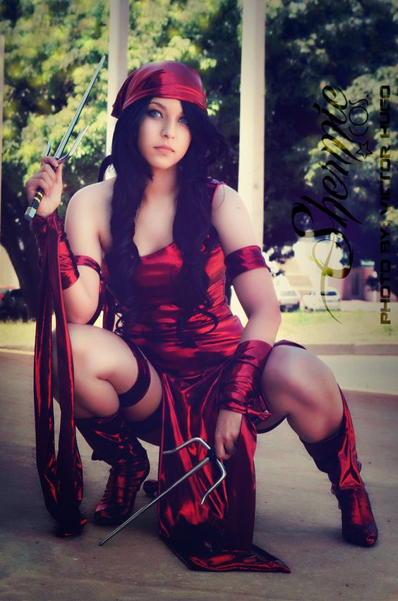 Character: Elektra (Elektra Natchios) / From MARVEL Comics 'Daredevil' / Cosplayer: Shermie Cosplay
