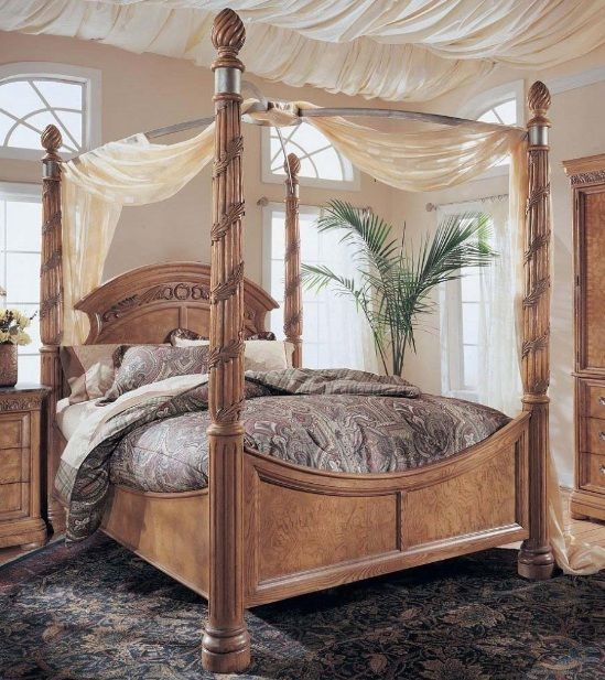 Wood Canopy Bed Design With Light Brown