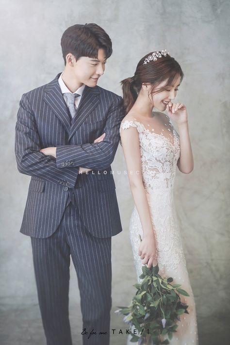 Wedding Photos Poses Photographers Korean Wedding Photography Wedding Photo Studio Wedding Couple Poses
