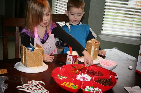 School at Home Momma: Gingerbread houses