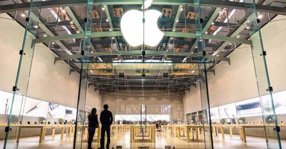 Der Ausgang des Konflikts zwischen Apple und dem FBI beziehungsweise der US-Regierung hat wegweisenden Charakter. Entschieden wird nicht nur über das Schicksal unzähliger Hardware- und Software-Unternehmen, bei denen Verschlüsselung eine wesentliche Rolle spielt, sondern auch über den Beibehalt eines Minimums an Privatsphäre im digitalen Raum. In seiner Kolumne Weigerts World schildert Martin Weigert die denkbaren Szenarien.